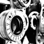 Linse in Untersuchungsraum bei Ophthalmologe